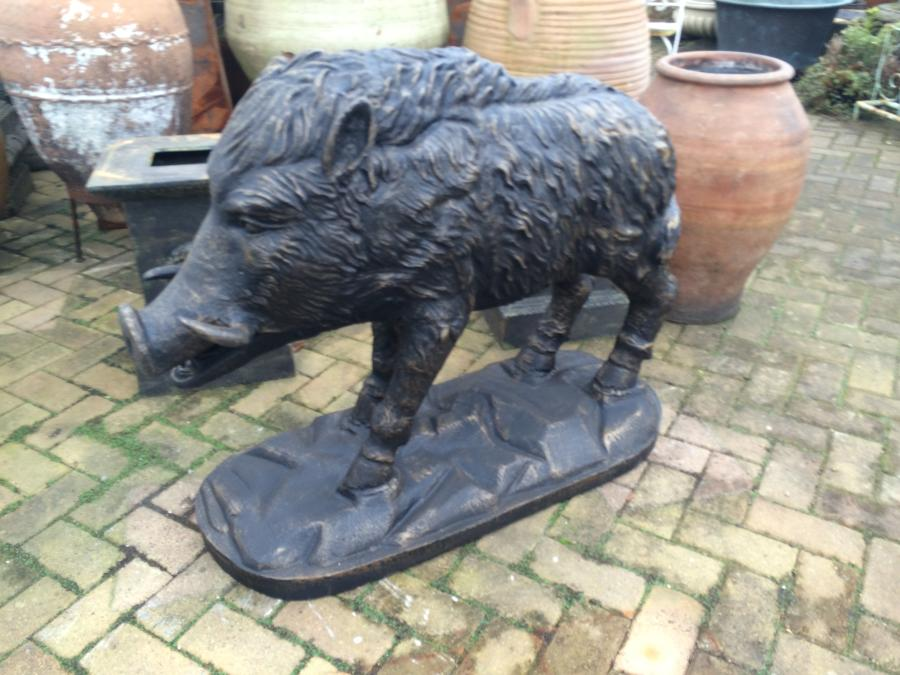 Cast iron wild boar