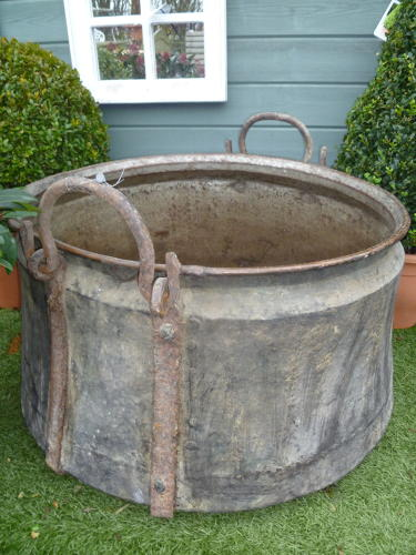 Large copper bucket / planter