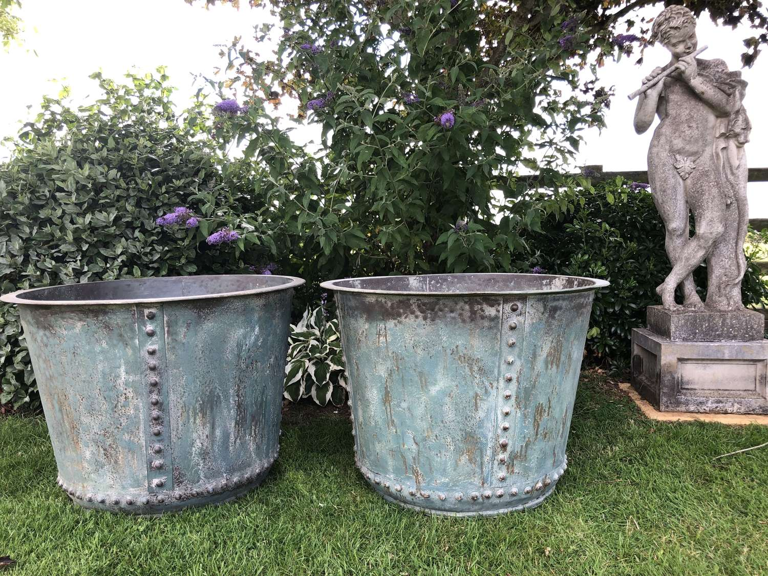 Large verdigris Iron Tub - Copper look planter