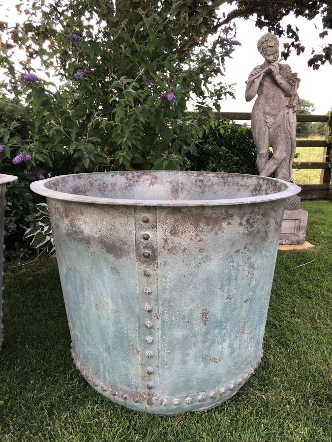 Extra large Verdigris iron tub - Copper look planter