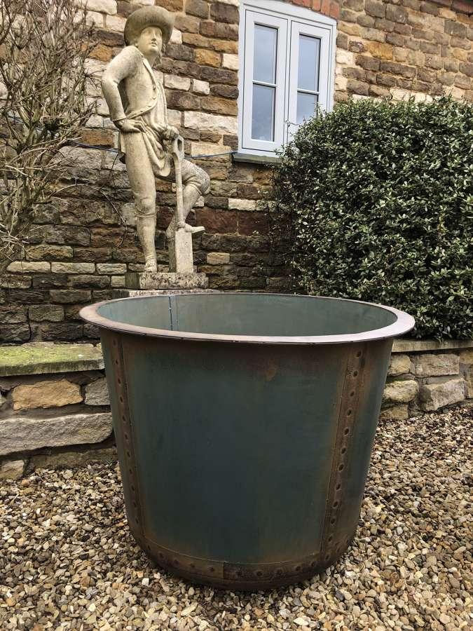 Large Antique look iron Tub - Copper Look Garden Planters 84 cm dia